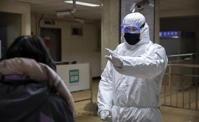 120 за доллар: Паника вокруг китайского коронавируса добьет экономику России - «Последние новости»