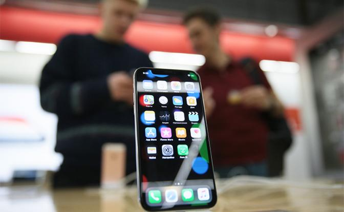День, когда в России перестанут продавать дешевые смартфоны - «В мире»