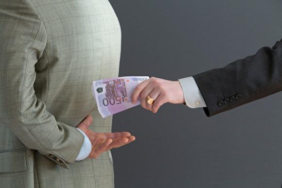 «Идеальная борьба» В Саратове ящик для приема сообщений о коррупции заклеили скотчем - «Новости дня»