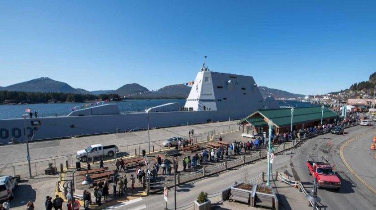 """Американский эсминец """"Замволт"""" посягнет на российскую Арктику - «Армия»"""