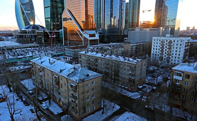 Реформа долевого строительства обрекает россиян на жизнь в бараках - «Информация»