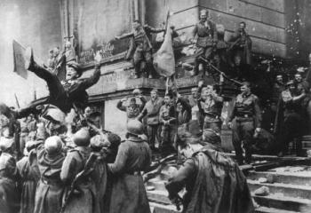 В Ереване состоялась церемония изъятия земли с мемориала ВОВ для ее закладки на территории Главного храма ВС РФ - «Общество»